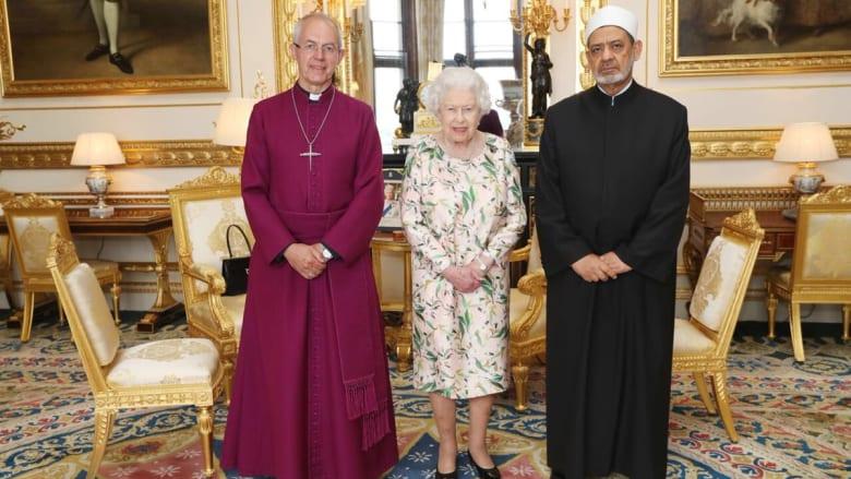 """لقاء بين الملكة إليزابيث وشيخ الأزهر على هامش """"صناع السلام"""""""