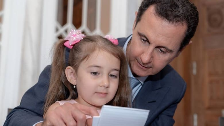 هكذا كانت زيارة الأسد وزوجته إلى عائلات روس قتلوا بسوريا