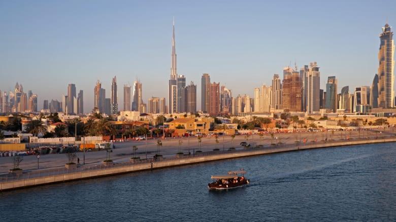 54 % من سكان الإمارات عرضوا مقتنياتهم على الانترنت للمشاركة