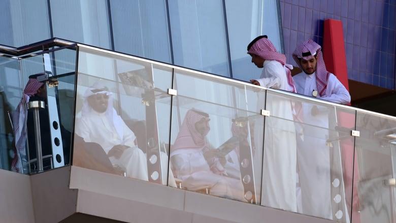 السعوديون يعيدون ترتيب أولويات الاستهلاك بعد ارتفاع الأسعار