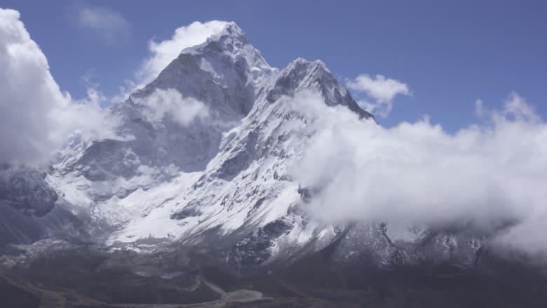 هذا هو التأثير الذي يخلفه الإنسان على جبل إفرست