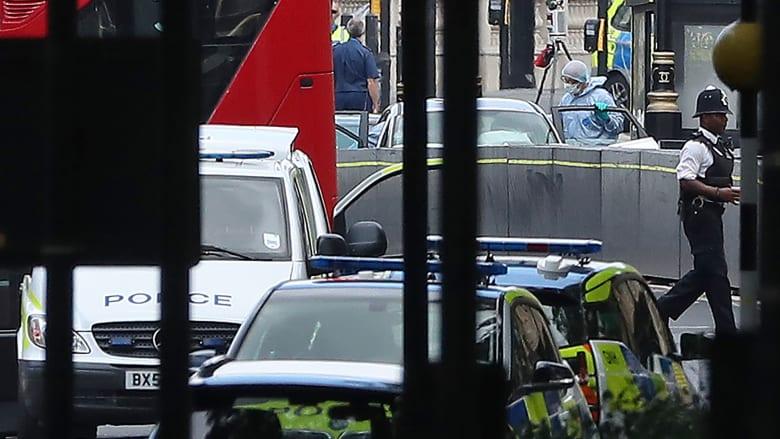 """الشرطة تتعامل مع حادثة الاصطدام في لندن كقضية """"إرهاب"""""""