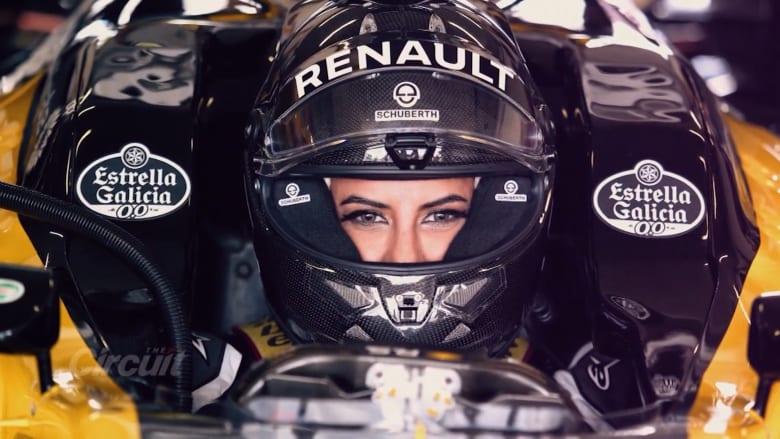 تعرّفوا إلى أول امرأة تنال عضوية في الاتحاد السعودي للسيارات