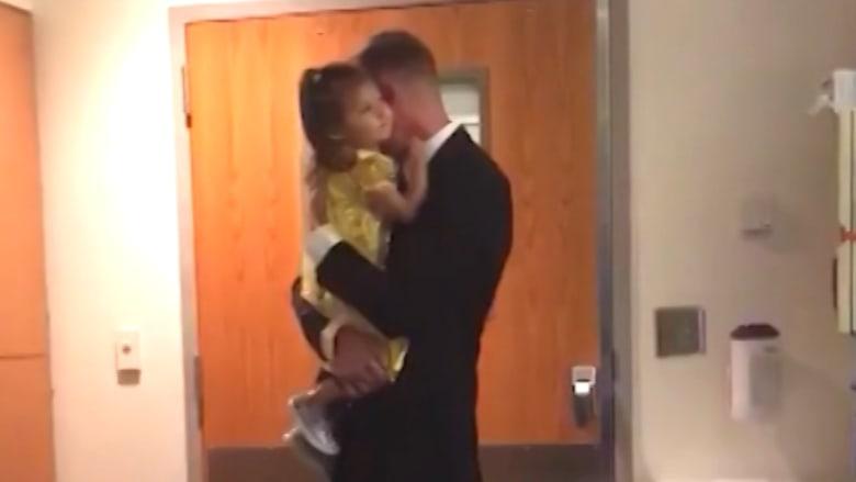 هكذا فاجأ أب طفلته المصابة بالسرطان