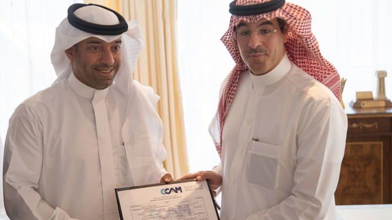 وزير الإعلام السعودي يسلم رخصة السينما الرابعة