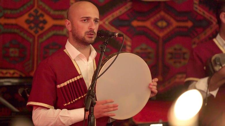 """المقام الأذربيجاني.. ألحان كونيّة """"مُرسلة من الرّب"""""""