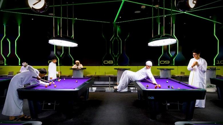 هذه الصور تبرز التناقض بين التراثي والعصري في دبي