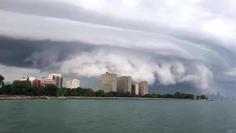فيديو بتقنية الفاصل الزمني يفوق الخيال.. سحاب صدفي في شيكاغو