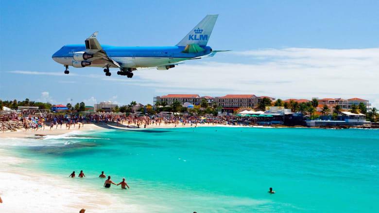 إليك فنادق تُطل على أفضل المناظر لمدرجات المطارات