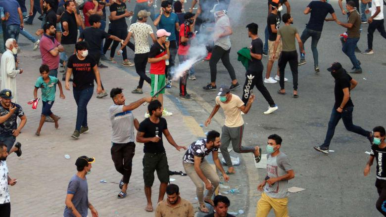 مظاهرات البصرة.. المالكي يوجه نداء.. وعلاوي: الصمت يعني الموافقة