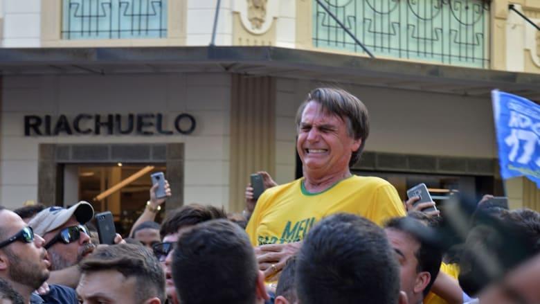 لحظة تعرض مرشح رئاسي برازيلي للطعن