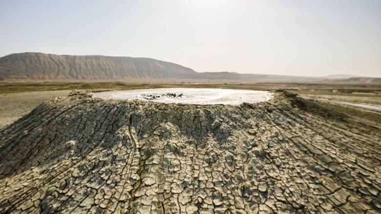 في أذربيجان.. ظاهرة طبيعية تُشعرك أنك في المريخ
