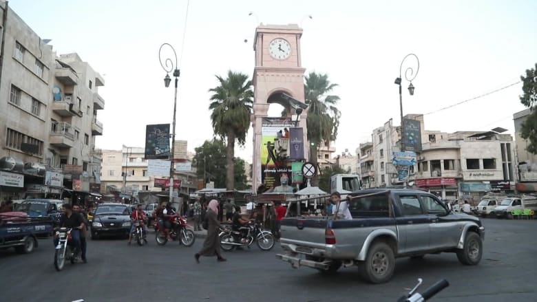 وسط انتظارهم لضربة محتّمة.. سكان إدلب يشاركون قلقهم