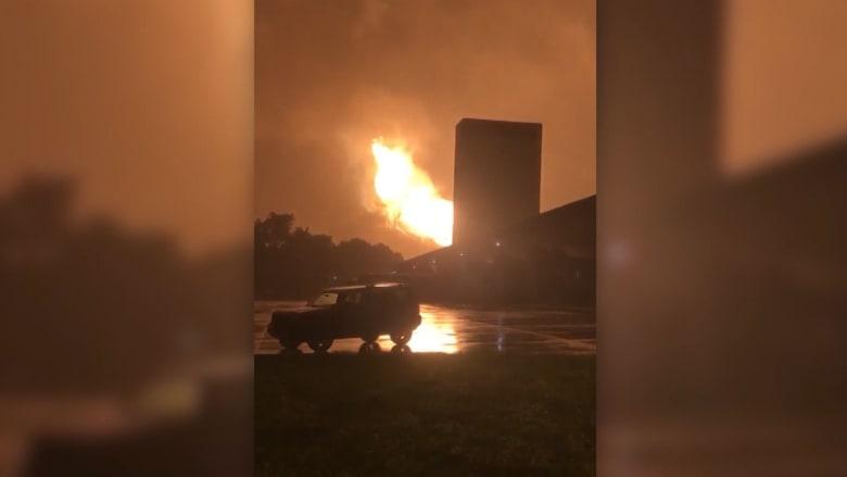 انفجار ضخم لخط أنابيب غاز يضيء سماء بنسلفانيا