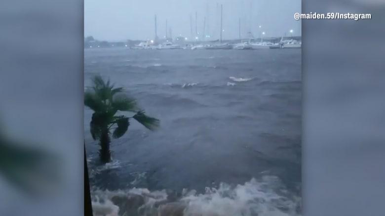 كاميرات هواتف توثق لحظات مرعبة للاعصار فلورنس