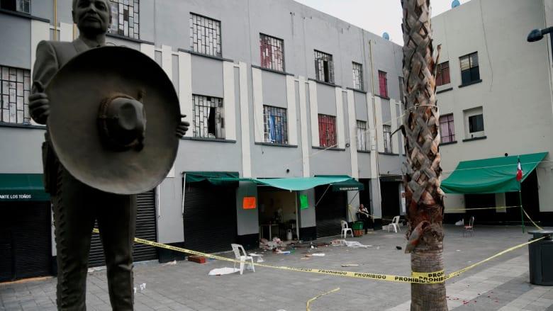 """مسلحون بزي """" المارياتشي"""" يطلقون النار على جمهور حفل بالمكسيك"""