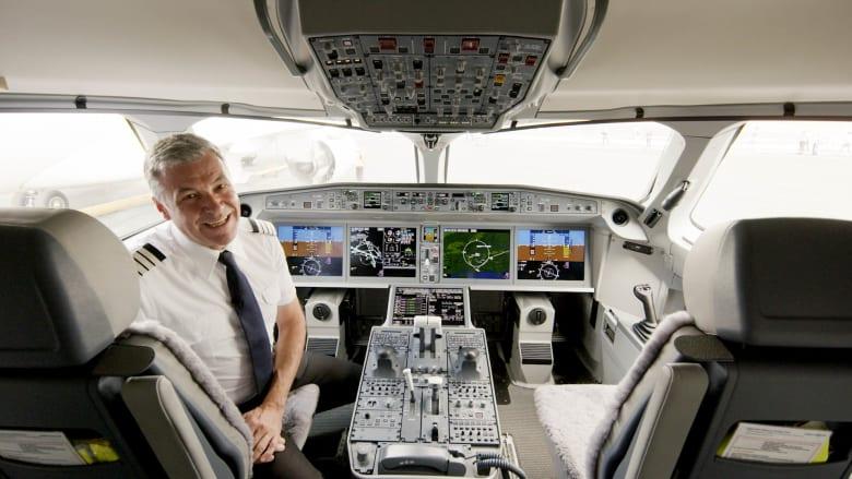 داخل قمرة القيادة لطائرة ايرباص A220