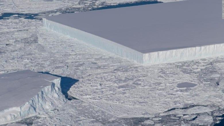 """جبل جليدي فريد بشكله يثير دهشة """"ناسا"""""""
