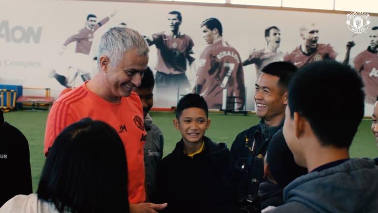 """مانشستر يونايتد يستضيف """"أطفال الكهف"""""""