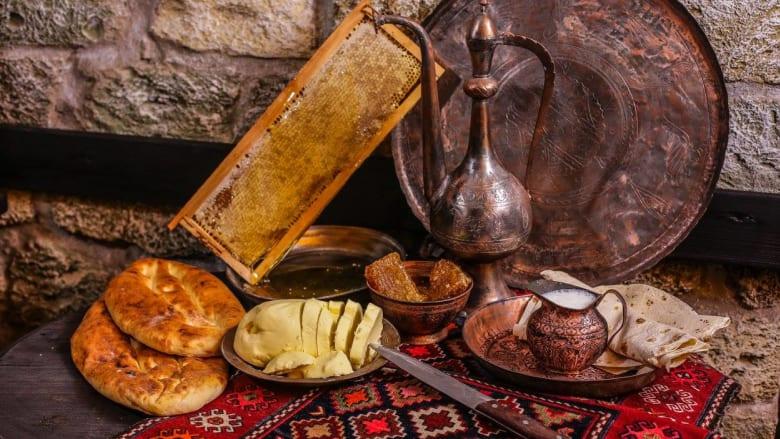 في هذا المتحف الأذربيجاني.. تجربة طعام من القرن التاسع عشر