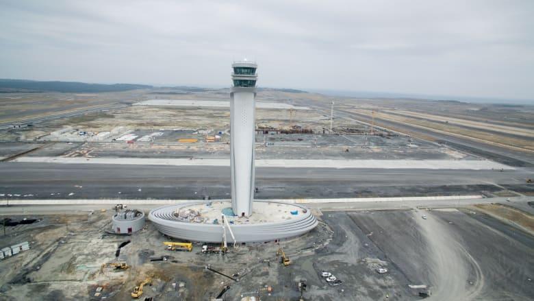 يهدف مطار اسطنبول أيضاً ليكون مطاراً صديقاً للبيئة، وذلك بفضل خدمات إعادة التدوير تقنيات استغلال مياه الأمطار.