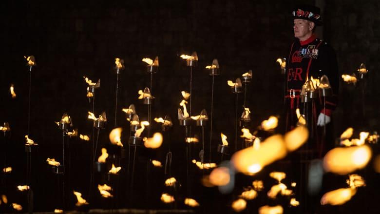 بآلاف المشاعل.. برج لندن يضيء في ذكرى الحرب العالمية الأولى