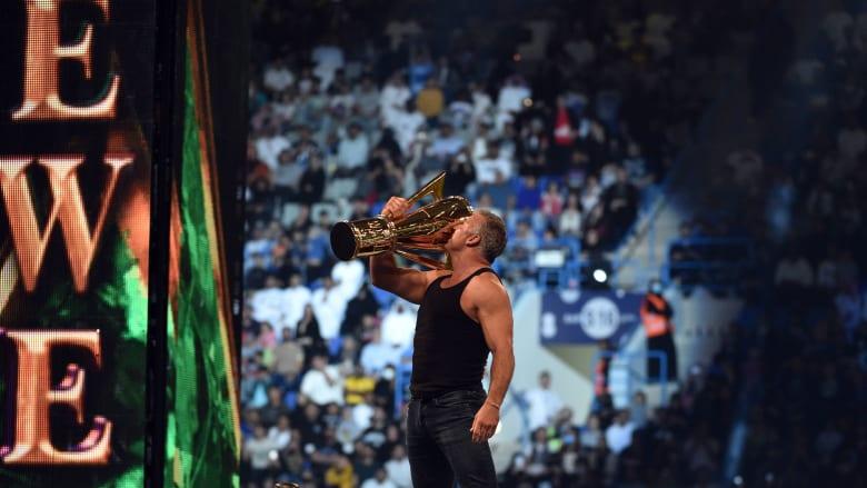 """من هم أبرز المصارعين المشاركين في """"WWE"""" بالسعودية؟"""