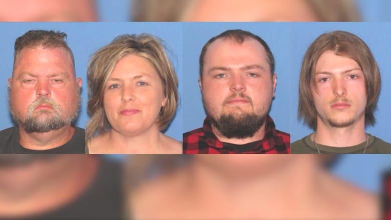 توقيف أسرة أمريكية قتلت 8 أفراد من عائلة واحدة