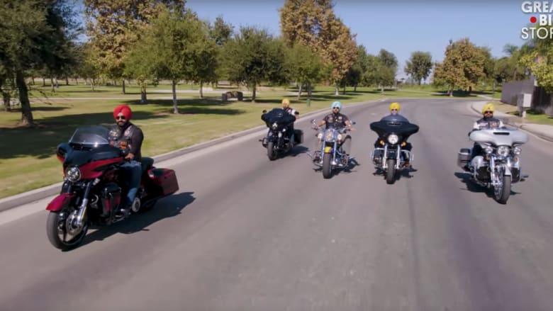 يقودون دراجاتهم لزيادة الوعي بديانتهم في أمريكا.. فمن هم؟
