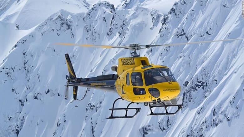 في هذه المنحدرات.. استبدل مصاعد التزلج بطائرة هليكوبتر