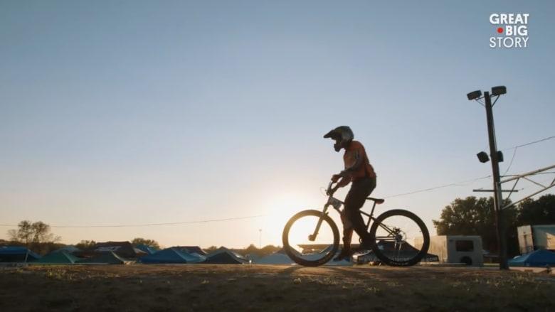 """تعرف على أكبر سائقة دراجات """"BMX"""" في أمريكا"""