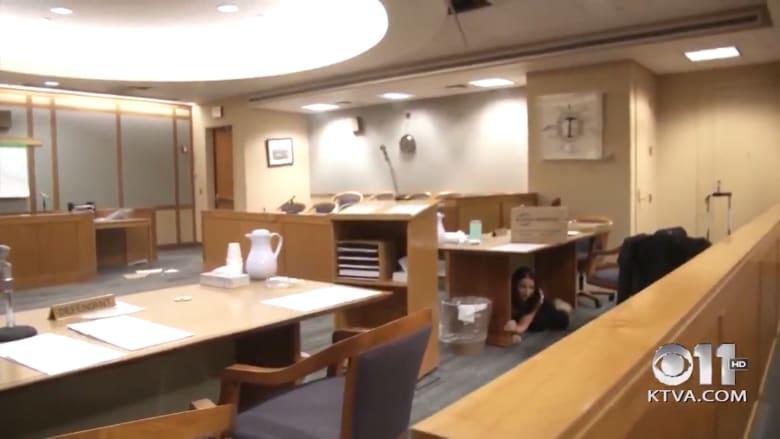 شاهد لحظة وقوع زلزال عنيف في آلاسكا