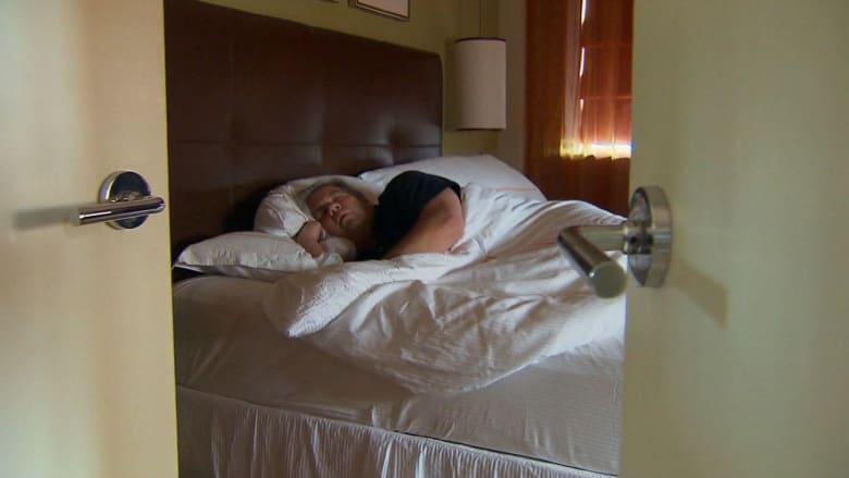 كيف يؤثر عدم النوم ليلا على صحتك وطعامك؟