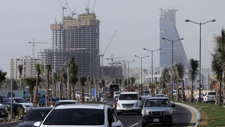 كيف يرى السعوديون سوقي الأسهم والعقارات في 2019؟