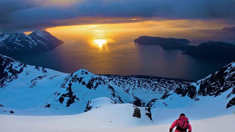 من قمم الجبال إلى البحار.. تجربة سفر فريدة في شمال النرويج