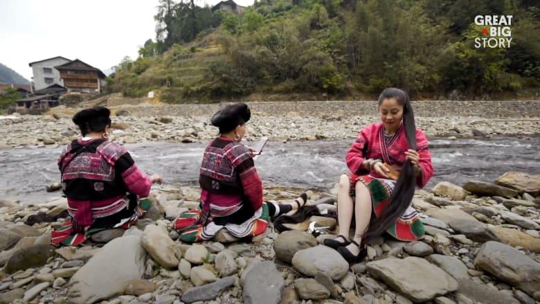 """في هذه القرية الصينية.. ستقابل أميرات """"رابونزيل"""" حقيقيات"""