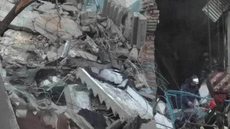 قتلى وجرحى في انهيار جزء من مبنى سكني في روسيا