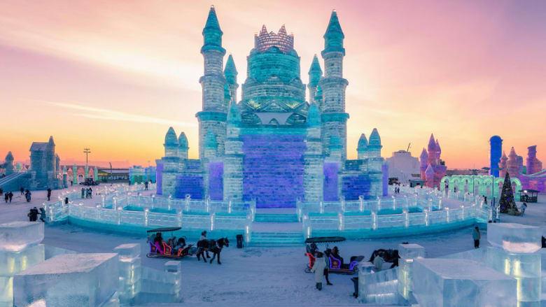 مدينة هاربن الصينية تشهد أكبر مهرجان ثلج في العالم