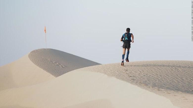 نظرة على أطول ألتراماراثون صحراوي في العالم ينطلق من دبي