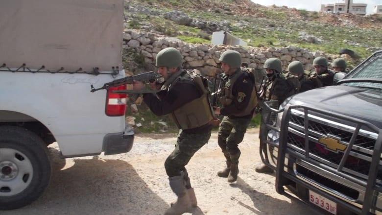 مداهمات وتدريبات قوات الأمن الفلسطينية.. والتمويل أمريكي