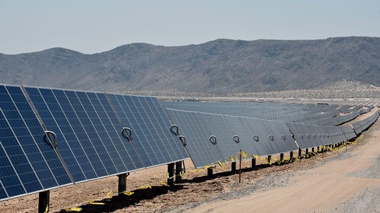 السعودية تدعو الشركات للاستثمار في 7 مشروعات للطاقة الشمسية