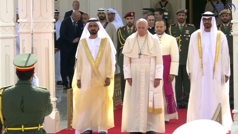 """زيارة البابا إلى الإمارات.. استقبال رسمي وتحضيرات لـ""""القداس"""