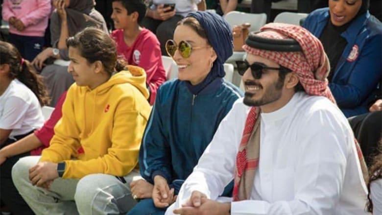 """خليفة بن حمد ينشر صورة لـ""""أم الأمجاد"""" الشيخة موزا.. وهكذا تفاعل مغردون"""