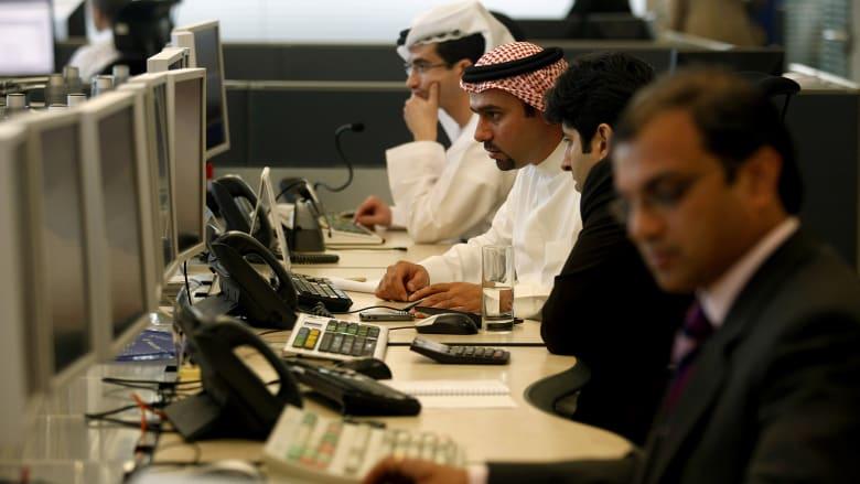 تقرير: العاملون بالإمارات الأكثر عملاً لعدد ساعات إضافية