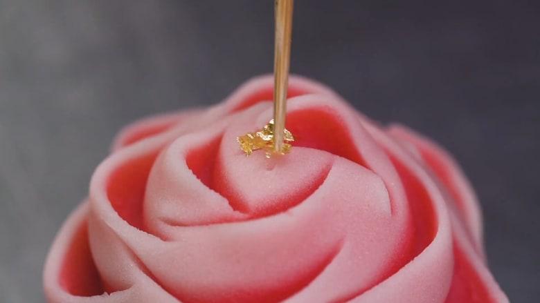 """حلوى """"واغاشي"""" تُزخرف كمنحوتات فنية لتعكس جمال الطبيعة"""