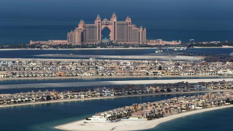 """لماذا تراجعت عوائد فنادق دبي؟ رئيس """"فنادق روتانا"""" يجيب"""