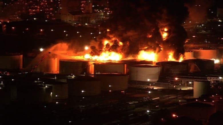 """حريق يلتهم محطة """"بتروكيماويات"""" في هيوستن مشتعل منذ 24 ساعة"""