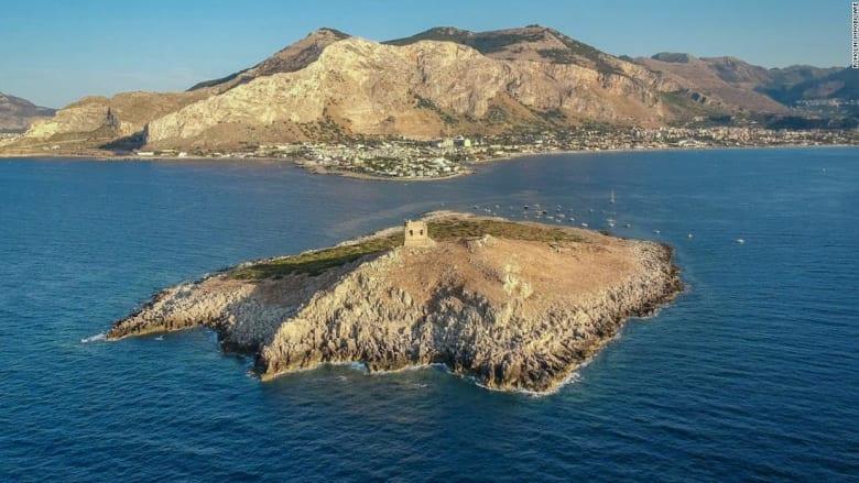هل تريد شراء هذه الجزيرة في صقلية مقابل 1.1 مليون دولار فقط؟
