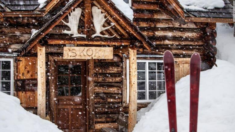 من الآباء إلى الأبناء.. أختان تديران منتجعا للتزلج في كندا