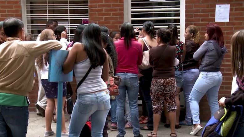 """""""ضرورة ملحة"""".. فنزويليات يسعين لإجهاض أطفالهن بسبب الأزمة"""